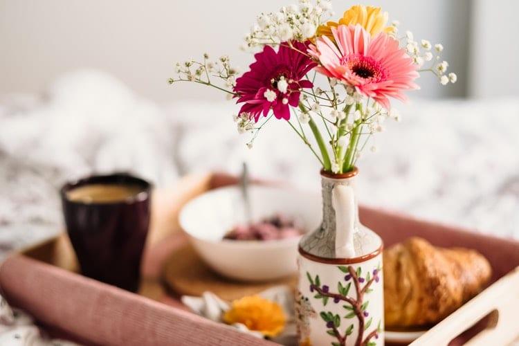 confira dicas de enfeites de flores para decoração