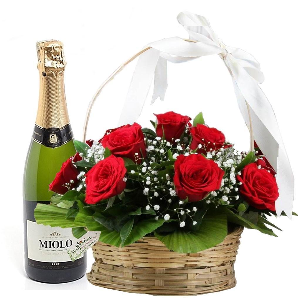 presente para mulher cesta de rosas vermelhas e espumante